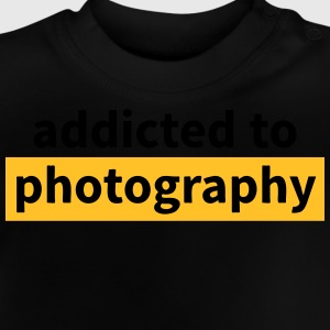 addicted to photography adicto a la fotografía Camisetas - Camiseta bebé