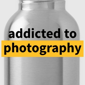 addicted to photography Shirts - Water Bottle