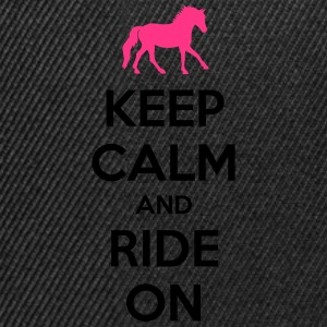 Keep Calm and Ride On Horse Design Tee shirts - Casquette snapback