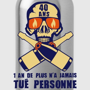 40 ans tete mort champagne tue personne Tee shirts - Gourde