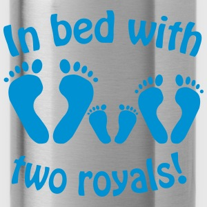 In bed with two royals, Royal Baby, Royal Body Shirts - Water Bottle