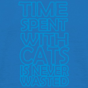 time spent with cats - Männer T-Shirt
