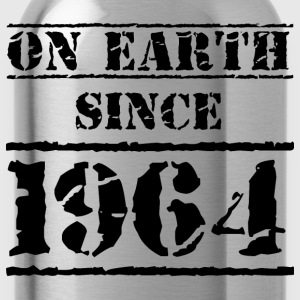 on earth since 1964 Geburtstag Birthday T-Shirts - Trinkflasche