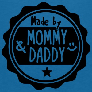 Made by Mommy and Daddy Accessoires - Frauen T-Shirt mit V-Ausschnitt