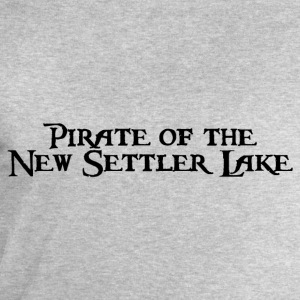 Pirate of the New Settler Lake T-Shirts - Männer Sweatshirt von Stanley & Stella