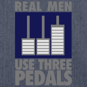 Real men use three pedals T-shirts - Skuldertaske af recycling-material