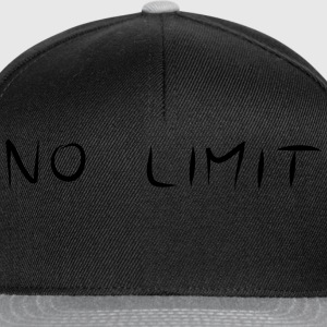NO LIMIT Tee shirts - Casquette snapback