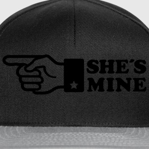 Finger She is mine! girlfriend like hands gift fun Shirts med lange ærmer - Snapback Cap