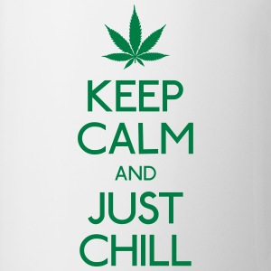 Keep Calm and just chill garder calme et tout simplement se détendre Tee shirts - Tasse
