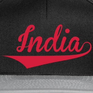 India T-skjorter - Snapback-caps