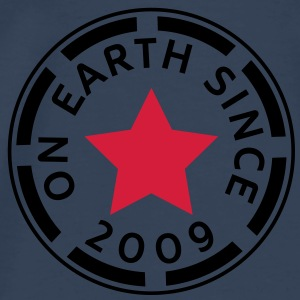 on earth since 2009 (uk) Tops - Men's Premium T-Shirt