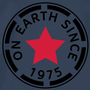 on earth since 1975 Toppe - Herre premium T-shirt