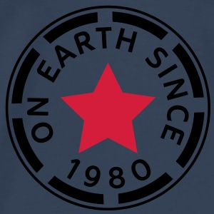 on earth since 1980 (dk) Toppe - Herre premium T-shirt