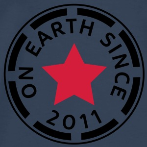 on earth since 2011 (sv) Toppar - Premium-T-shirt herr