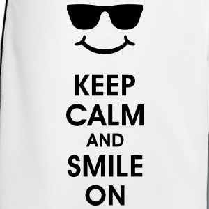 Keep Calm and Smile. Smiling helps. Smiley Smilie T-Shirts - Men's Football shorts