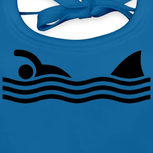 swimmer with shark Shirts - Bio-slabbetje voor baby's