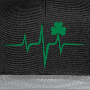 Music heart rate shamrock Patricks Day Irish Folk Sweat-shirts - Casquette snapback