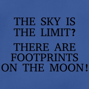 The sky is the limit? There are Footprints ... Borse & zaini - Maglietta da uomo traspirante