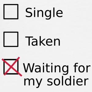 Single Taken Waiting for my soldier Buttons & badges - Herre premium T-shirt