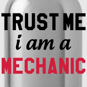 Trust me I am a Mechanic T-shirts - Vattenflaska