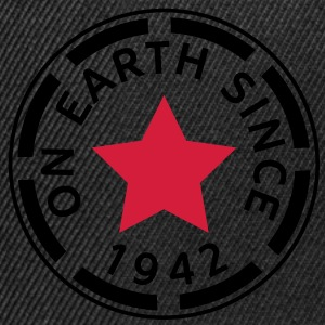 on earth since 1942 (uk) T-Shirts - Snapback Cap