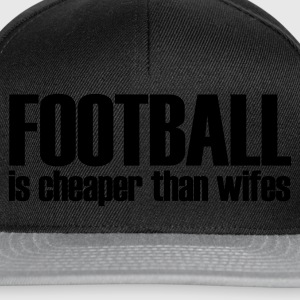Svart football is cheaper than wifes T-shirts - Snapbackkeps