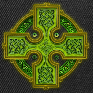 Green Celtic Cross Triskellion.png Tee shirts - Casquette snapback