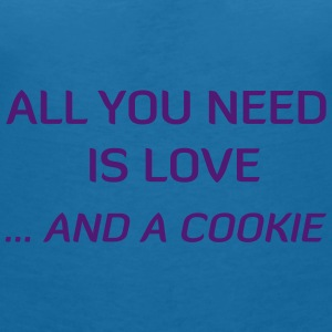 All You Need Is Love ... And A Cookie Accessoires - Vrouwen T-shirt met V-hals