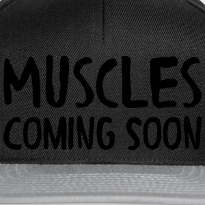 Muscles Coming Soon T-skjorter - Snapback-caps