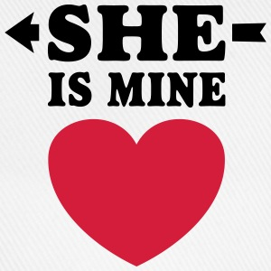 She is Mine I love you my Girlfriend Freundin Girl Etui na telefony komórkowe i tablety - Czapka z daszkiem