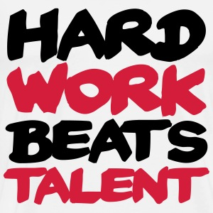 Hard work beats Talent Manga larga - Camiseta premium hombre