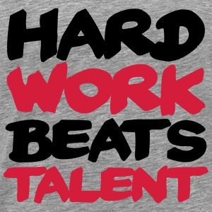 Hard work beats Talent Langarmshirts - Männer Premium T-Shirt