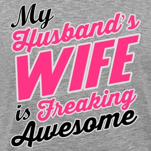 My husband's wife is freaking awesome Langærmede T-shirts - Herre premium T-shirt