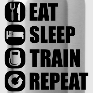 eat_sleep_train_repeat T-Shirts - Trinkflasche
