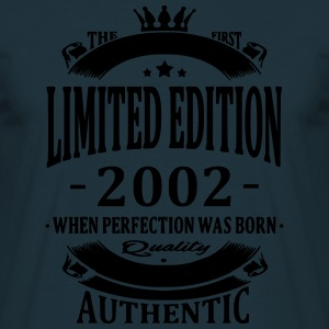 Limited Edition 2002 Pullover & Hoodies - Männer T-Shirt