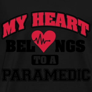My heart belongs to a paramedic Débardeurs - T-shirt Premium Homme