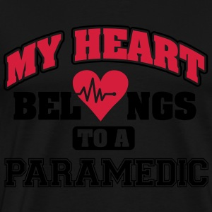 My heart belongs to a paramedic Langærmede T-shirts - Herre premium T-shirt