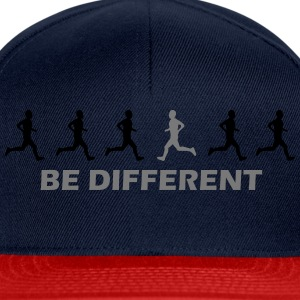 be different laufen T-Shirts - Snapback Cap