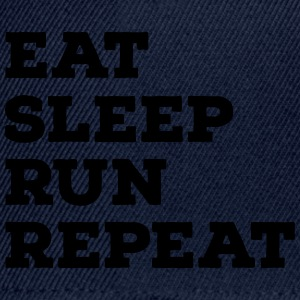 Eat, Sleep, Run, Repeat Koszulki - Czapka typu snapback