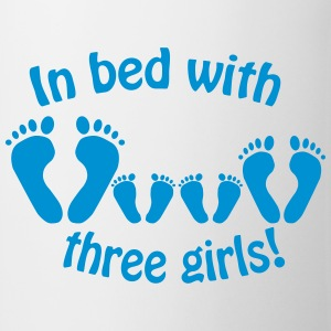In bed with three girls - Mug