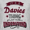 its a davies name surname thing - Men's T-Shirt