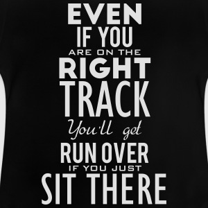 Are you on the right track? Move! Skjorter - Baby-T-skjorte