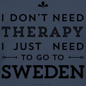 I don't need Therapy, I just need to go to Sweden Taschen & Rucksäcke - Männer Premium Langarmshirt