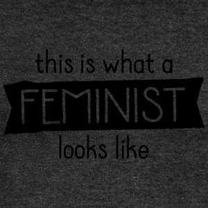 This Is What A Feminist Looks Like T-shirts - Vrouwen trui met U-hals van Bella