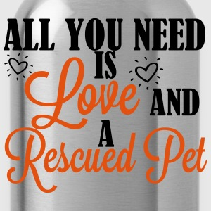 Love and a rescued pet T-Shirts - Trinkflasche
