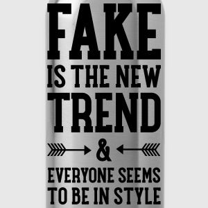 Fake Is The New Trend T-shirts - Vattenflaska