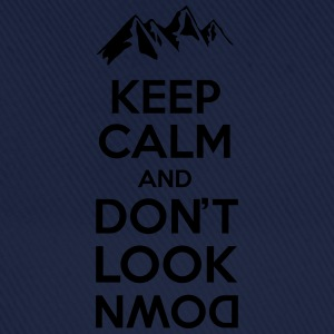 Keep calm and don't look - mountain Tee shirts - Casquette classique