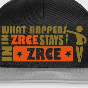 WHAT HAPPENS IN ZRCE STAYS IN ZRCE Camisetas - Gorra Snapback