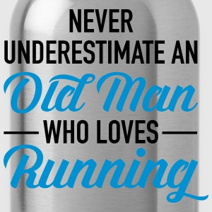 Never Underestimate An Old Man Who Loves Running T-Shirts - Water Bottle