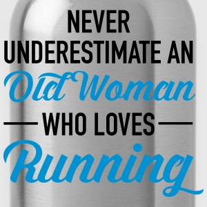 Never Underestimate An Old Woman Who Loves Running T-Shirts - Water Bottle
